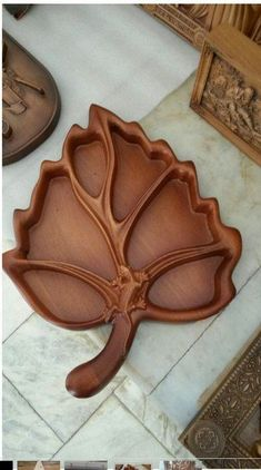 Fotografia - Shoe Tutorial and Ideas Wood Tray, Wood Bowls, Chip Carving, Wood Carving, Wood Crafts, Diy And Crafts, 3d Modelle, Cnc Projects, Wooden Plates