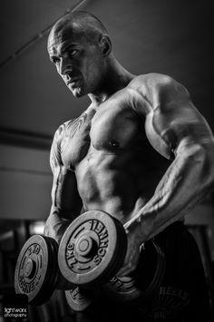 Mehr Muskeln, Weniger Fett und mehr Power im Training -- So macht ihr es richtig!    ( Mit einem Klick auf das Bild gelangt Ihr direkt zum Artikel )