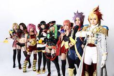 Star Driver: Kagayaki no Takuto group cosplay.