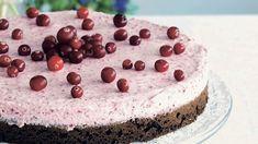 Suklainen karpalomoussekakku on mitä mainioin juhlatarjottava. Voit tehdä kakun myös puolukoista. Resepti vain noin 0,60 €/annos*.