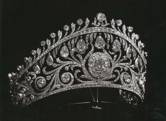 russian imperial jewels - Diamond Kokoshnik of Grand Duchess Elena Vladimirovna of Russia    Google Search