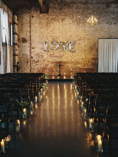 How to Style an Industrial Chic Wedding Ceremony | SouthBound Bride | http://www.southboundbride.com/industrial-chic-ceremony-spaces | Credit:  Clean Plate Pictures/Whimsy Weddings/Molly Oliver Flowers via Ruffled