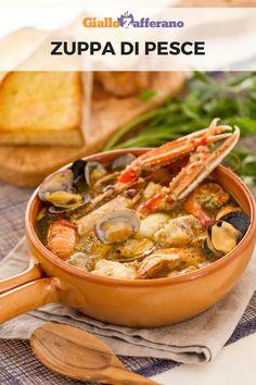 La zuppa di pesce è un gustoso piatto di pesce fresco, preparata con coda di rospo, crostacei e molluschi e servita con crostoni di pane abrustolito. #giallozafferano #pesce #zuppa #fish #secondipiatti #soup [Italian fish soup: easy recipe] Italian Pasta Recipes, Seafood Recipes, Soup Recipes, Salad Recipes, Cooking Recipes, Seafood Stew, Fish Soup, Xmas Food, Fish Dishes