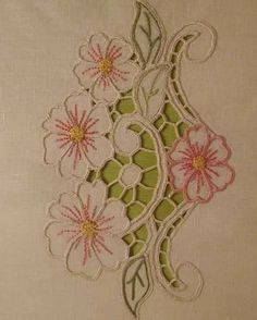 Cutwork Embroidery, Vintage Embroidery, Embroidery Designs, Paper Flowers Craft, Flower Crafts, Cut Work, Aurora, Stitches, Free Pattern