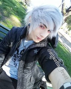 I love Emo / Scene / Gothic / Punk ツ This Page is all about being different. Cute Emo Guys, Hot Emo Boys, Emo Girls, Emo Boy Hair, Emo Scene Hair, Pelo Emo, Scene Haircuts, Emo People, Goth Guys