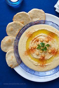 Hummus - Chickpea hummus dip | From Zonzolando.com