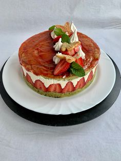 Tarta de fresas Pancakes, Breakfast, Food, Strawberry Fruit, French Tips, Pies, Cooking, Morning Coffee, Essen