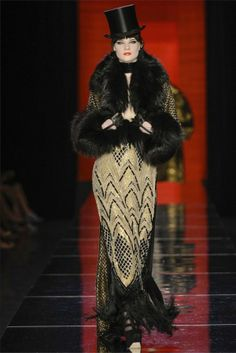 Jean Paul Gaultier Parigi - Haute Couture Fall Winter - Shows - Vogue. Couture Mode, Style Couture, Couture Fashion, Runway Fashion, Fashion Week, High Fashion, Fashion Show, Fashion Design, Review Fashion
