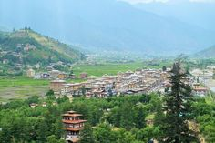 Bhutan Rundreisen - Jetzt Urlaub buchen! |Tai Pan Bhutan, Dolores Park, Mountains, Nature, Travel, Prayer Flags, Cultural Diversity, Forts, Buddhism