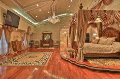Beverly Hills real estate agent Jade Mills is the ranked luxury real estate agent worldwide for Coldwell Banker. Luxury Bedroom Sets, Luxury Bedroom Design, Home Room Design, Luxurious Bedrooms, House Design, Castle Bedroom, Mansion Bedroom, Royal Bedroom, Luxury Modern Homes