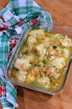 Lombos de Pescada Estufados com Cenoura, Alho Francês e Coco - http://gostinhos.com/lombos-de-pescada-estufados-com-cenoura-alho-frances-e-coco/