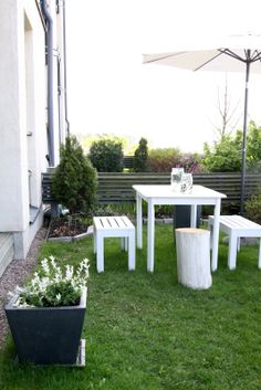 muotoseikka Nyt saa kesä tulla / Welcome summer Outdoor Balcony, Outdoor Gardens, Outdoor Decor, Welcome Summer, Open Air, Garden Living, Terrace Garden, Garden Inspiration, Countryside