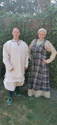 Wikinger Rushose und Tunika für Ihn und für sie Kleid und Prachtschürzr mit Schmuck Sewing, Dresses, Fashion, Vikings, Tunic, Schmuck, Gowns, Vestidos, Moda