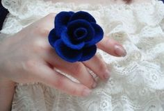 This felt flower was made into a ring, but there are so many options like brooches, hair pretties, hat decoration, etc.