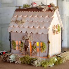 Brenda Walton Country Cottage die for Sizzix Foam Crafts, Paper Crafts, Diy Crafts, Paper Toys, Paper Art, Putz Houses, Fairy Houses, Christmas Crafts, Christmas Decorations