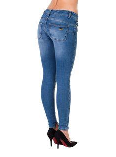 Liu Jo thin leg farkut, Denim blue Restless Wash 109,00 € www.fashionstore.fi
