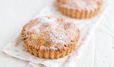 Ένα νόστιμο και εύκολο γλυκάκι για τη νηστεία. Μικρά μηλοπιτάκια όλο γεύση και άρωμα!