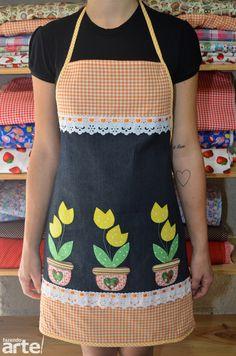 Kit Avental + Pano de Prato    Avental com aplicação em pet aplique.  Avental e Pano de Prato com mesmo tecido na barra, dando uma ótima combinação.
