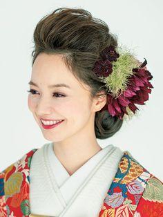 宝生流小袖柄 唐織 Wedding Hair And Makeup, Bridal Hair, Hair Makeup, Dress Hairstyles, Wedding Hairstyles, Up Styles, Hair Styles, Wedding Kimono, Wedding Dress