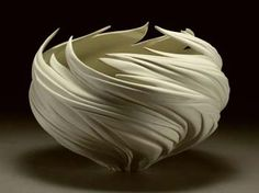 Pottery bowl by artist Jennifer McCurdy Porcelain Ceramics, Ceramic Bowls, Ceramic Pottery, Pottery Art, Pottery Ideas, Porcelain Skin, Porcelain Tile, Jennifer Mccurdy, Sculpture Textile