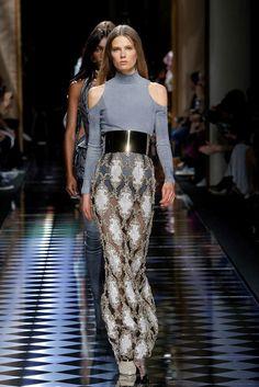 Balmain Fall 2016 Ready-to-Wear Fashion Show