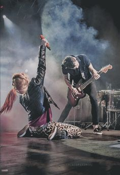 Paramore! Best band ever - Hayley Williams and Taylor York!