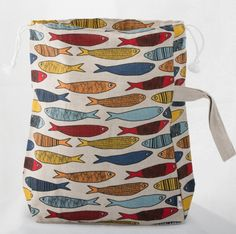 Stor prosjektpose med fisker | #Garnkurven #strikkeveske #garnpose #knitterbag