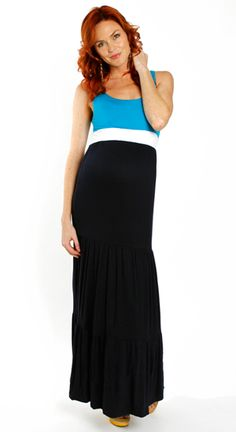 Color block maxi dress for a fashionable expectant mom!