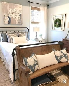 39 Rustic Farmhouse Bedroom Design and Decor Ideas To Transform Your Bedroom - The Trending House Cozy Bedroom, Home Decor Bedroom, Modern Bedroom, Bedroom Ideas, Master Bedroom, Contemporary Bedroom, Bedding Decor, Bedroom Furniture, Bedroom Brown