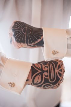 Groom with tattoos