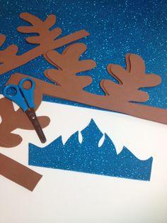 Coronas de Elsa para las invitadas y cuernos de reno para los invitados #frozen #cumpleaños