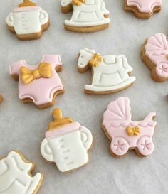 Baby Cookies, Baby Shower Cookies, Fondant Toppers, Cupcake Toppers, Pink Gold Cake, Fondant Baby, Party Buffet, Baking Cupcakes, Baby Shower Decorations