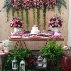 Um 80 anos lindo. Flores! 💐🌸🌹💐🌸🌹 By @jacyaradavid -  Linda decor de hoje!!! 80 anos de uma querida!#gentegrandefesteja #festadegentegrande  #festaluxo #flores  #decoradulto #festaadulto - #regrann