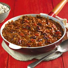This easy chilli con carne recipe is a quick and classic sharing option for a casual night with friends. Find out how to make it at BBC Good Food. Chilli Recipes, Meat Recipes, Mexican Food Recipes, Cooking Recipes, Recipe For Chilli, Spanish Recipes, French Recipes, Healthy Recipes, Slow Cooker Chilli