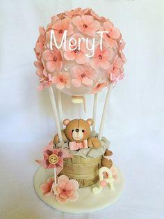 Cake topper mongolfiera in pasta di mais, porcelana Fria, cold porcelain
