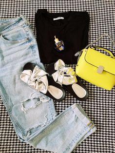 Styl Chloe, Bags, Fashion, Handbags, Moda, Fashion Styles, Fashion Illustrations, Bag, Totes