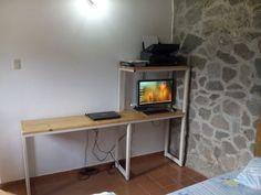 escritorio y mesa para computadora                              …