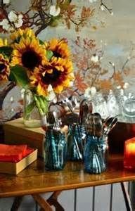Does the idea of having people over give you the sweats? Keep it easy (and fun) with 4 Steps to Casual Autumn Dinner Party Thanksgiving Table Settings, Holiday Tables, Holiday Parties, Christmas Tables, Harvest Party, Fall Harvest, Ball Canning Jars, Mason Jars, Ball Jars