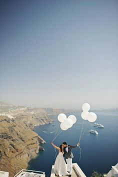 Stylish elopement in Greece | Tie the knot in Santorini