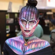 Reunited with the Mehron Girl Dream Team at @halloweenpartyexpo ! World famous @jinnymakeup demos #ParadiseMakeupAQ on the gorgeous @gypsysin ... From our friends at @MehronMakeupNYC  #HalloweenPartyExpo #mehronmakeup #mehron #faceandbodyart #jinnymakeup #bodypaint #facepaint