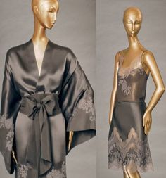 Carine Gilson - Lingerie Couture Fall 2013 / Frou Frou Fashionista I love the robe. Bridal Lingerie, Pretty Lingerie, Luxury Lingerie, Vintage Lingerie, Beautiful Lingerie, Lace Lingerie, Expensive Lingerie, Kimono Fashion, Satin Dresses