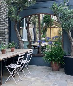 courtyard garden Aldgate Home source, restore and transform architectural window frames into beautiful window mirrors for display in the home and garden. Small Courtyard Gardens, Small Courtyards, Back Gardens, Small Gardens, Small Outdoor Spaces, Outdoor Rooms, Outdoor Living, Garden Mirrors, Mirrors For Gardens