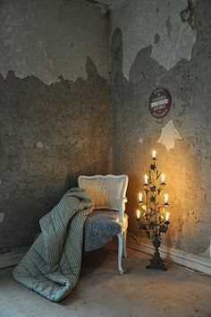 Soooo ViNtaGe Paris Apartment Decor!!!