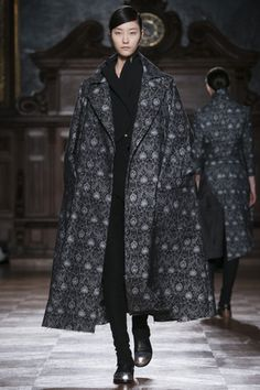 Aganovich Ready To Wear Fall Winter 2014 Paris - NOWFASHION