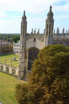 University In England, Cambridge University, Cool Places To Visit, Places To Travel, Places To Go, By Train, Train Car, Cambridge Punting, One Day Tour