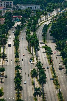 Avenida Boyeros, Havana by Songkran