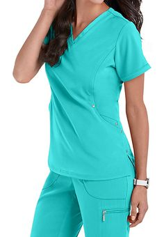 Beyond Scrubs Active Charli V-neck Scrub Tops Scrubs Outfit, Scrubs Uniform, Cute Scrubs, Medical Scrubs, Nursing Scrubs, Nursing Tips, Medical Uniforms, Nursing Uniforms, American Dress