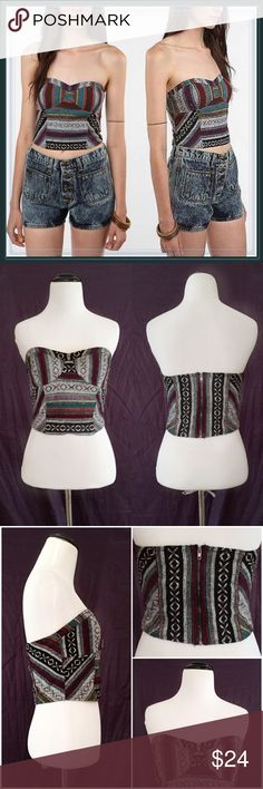 """UO Boho Chic Corset Strapless Tribal Top ➖SIZE: 4 (see measurements)  ➖BRAND: Urban Outfitters (via Staring at the stars)  ➖STYLE: Tribal design corset strapless top   ➖MEASUREMENTS       ➖BUST: 15""""       ➖WAIST: 13""""       ➖BOTTOM HEM LENGTH: 13.5""""       ➖LENGTH: 8""""-9"""" Urban Outfitters Tops Crop Tops"""