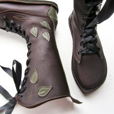 Cutest, coolest handmade shoes EVER! The entire site rocks!! - Image of MOONSHINE Pimpernel Fairytale Boots