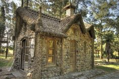 6547264557_3851a4e167_b Play Houses, Bird Houses, Dream Houses, Old Style House, Different Types Of Houses, English Country Decor, Cabin Interiors, Stone Houses, Interior And Exterior
